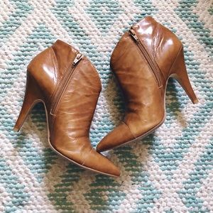 BCBG caramel tan leather pointy ankle booties 7